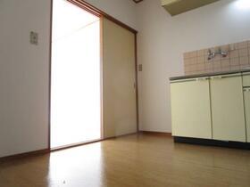 メゾンドクレール 0105号室のキッチン