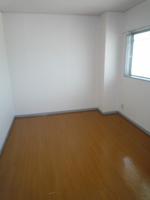 サンシャインウネベ 302号室のリビング