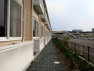 レオパレス前浜 102号室のバルコニー