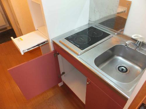レオパレス前浜 102号室のキッチン