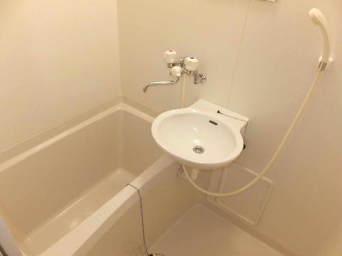 レオパレス前浜 102号室の風呂