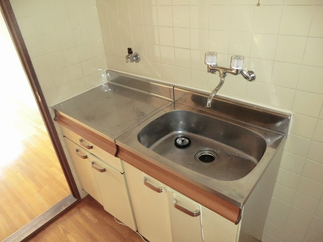 コーポ東海 208号室のキッチン