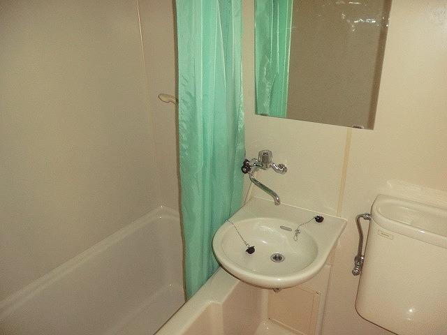 コーポ東海 208号室の洗面所