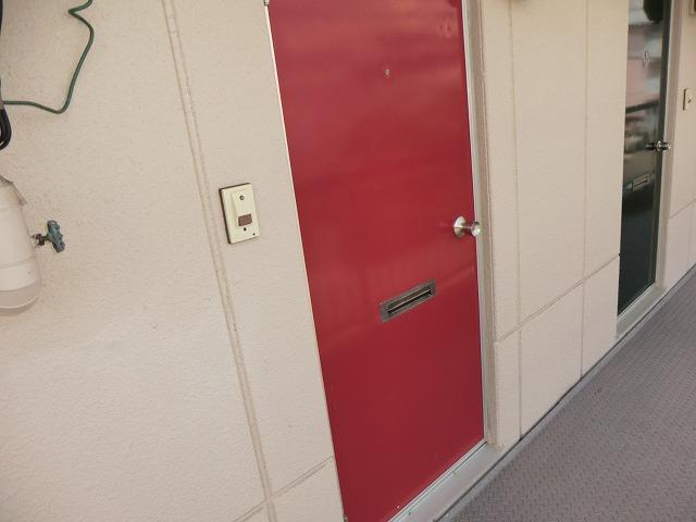 コーポ東海 208号室の玄関