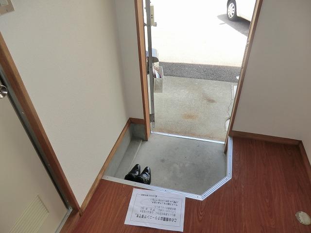 コーポ東海Ⅱ 209号室の玄関