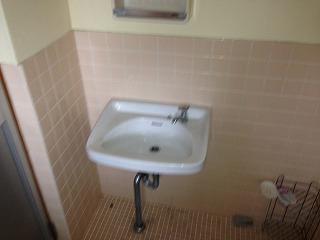 衣ビル 303号室の洗面所