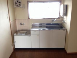 衣ビル 303号室のキッチン