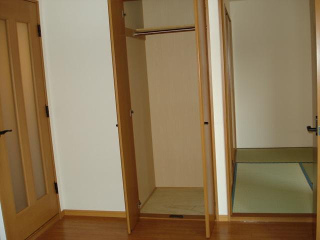 サンハイツN'S 302号室の収納