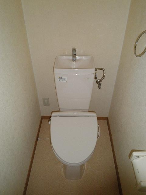 萩野マンションB棟 202号室のトイレ