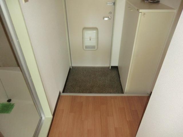 Tコーポ 201号室の玄関