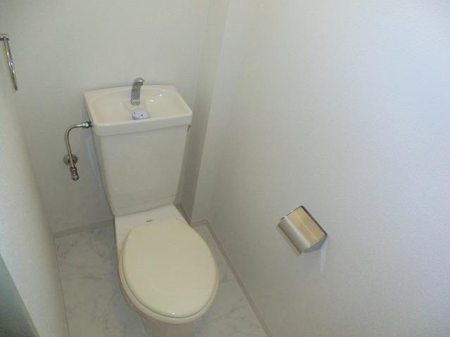 Tコーポ 201号室のトイレ