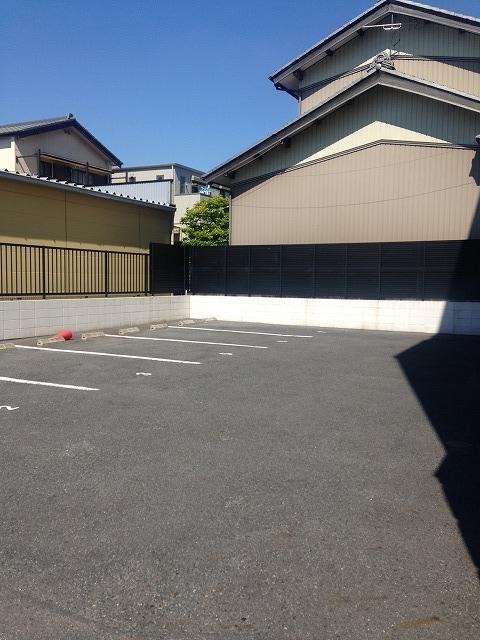 Klingel Baum 410号室の駐車場