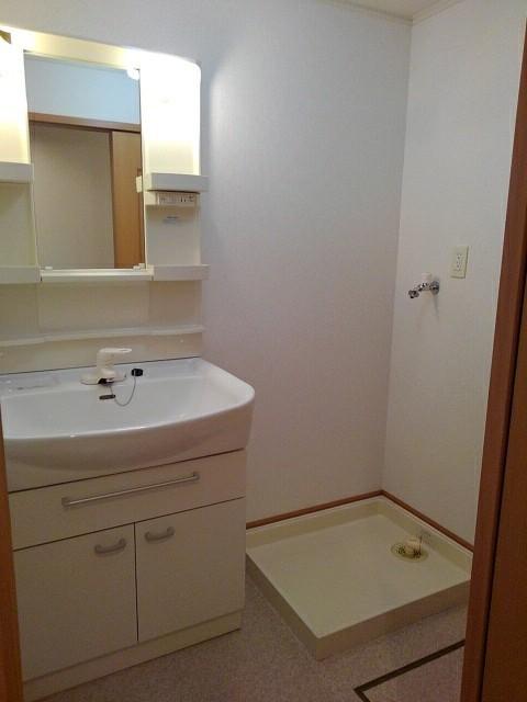 シャルマンプラースⅡ 01030号室の洗面所