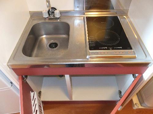レオパレスシャルマンⅡ 201号室のキッチン
