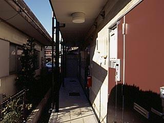レオパレスシャルマンⅡ 201号室のエントランス
