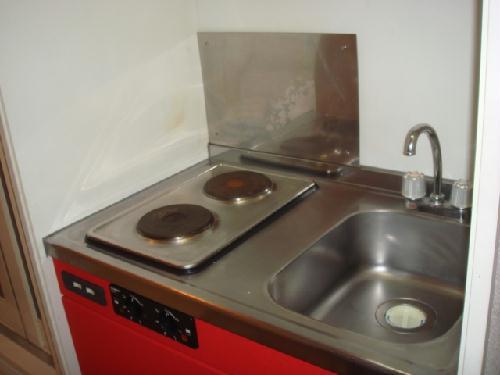 レオパレスT&H 107号室のキッチン