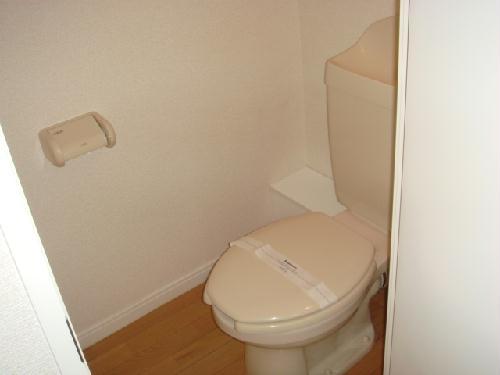レオパレスT&H 107号室のトイレ