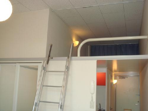 レオパレスT&H 107号室のベッドルーム