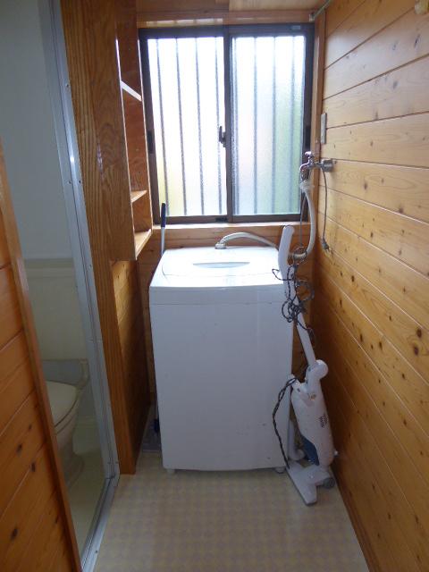 水源町貸家の洗面所