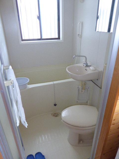 水源町貸家のトイレ