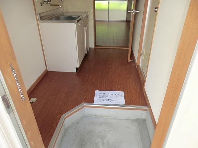 コーポ東海Ⅱ 202号室の玄関