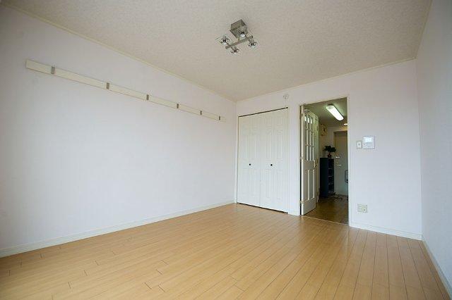 ティエリア豊田 D10号室のベッドルーム