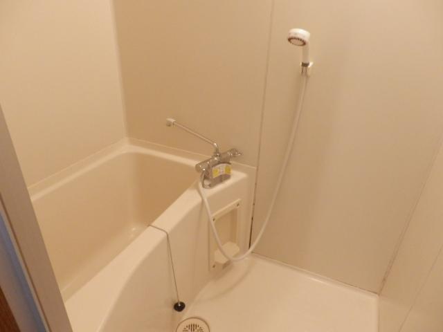 クリエール・サン 202号室の風呂