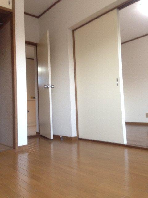 クリエール・サン 301号室のリビング