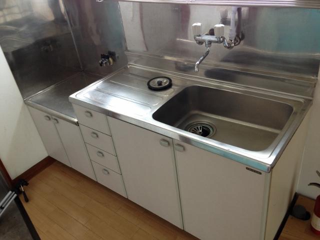 パレスホワイト 201号室のキッチン