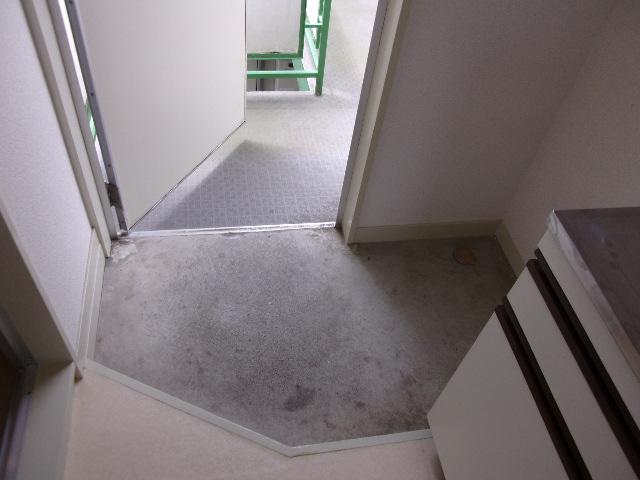 ツインコート 202号室の玄関