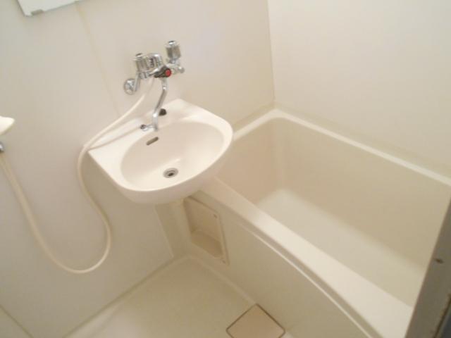 サンライズコーポ町田 105号室の風呂