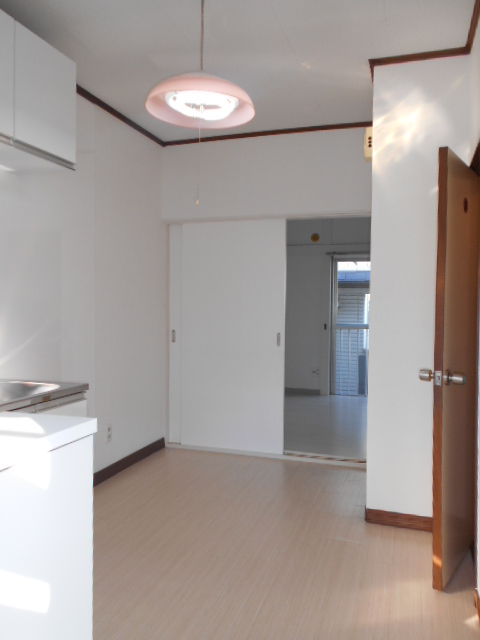 第二城田荘 202号室のリビング