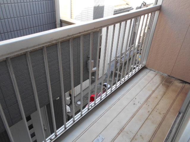 第二城田荘 202号室のバルコニー