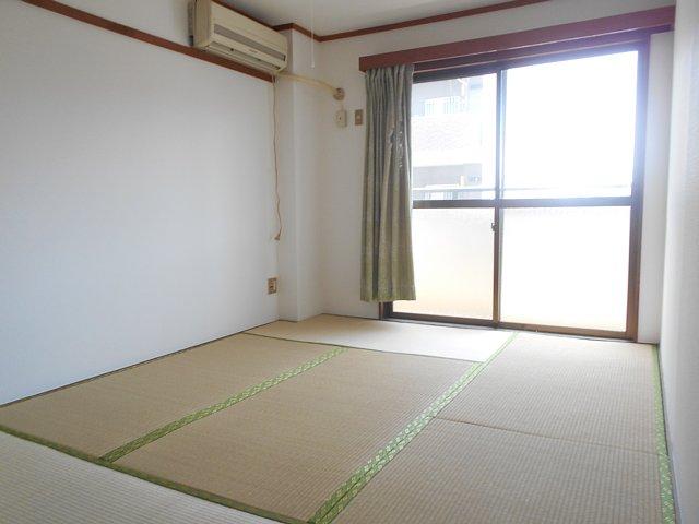 相雄マンション 201号室の居室