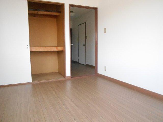 相雄マンション 201号室のベッドルーム
