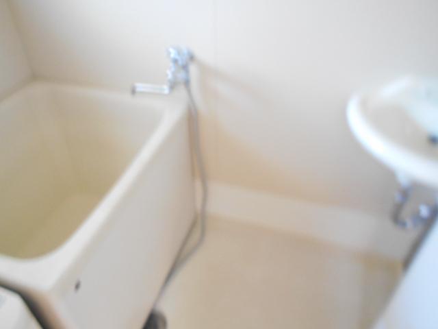 黒滝ハイツ 305号室の風呂
