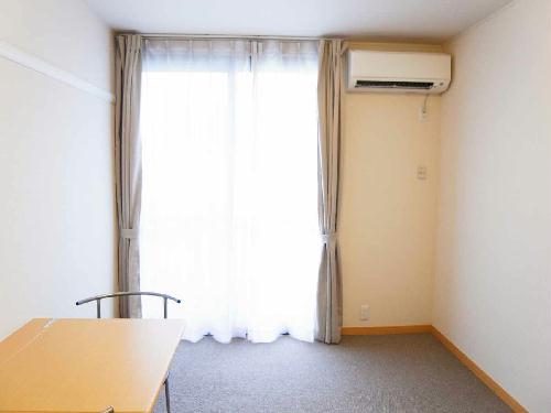 レオパレスかいと 106号室のリビング