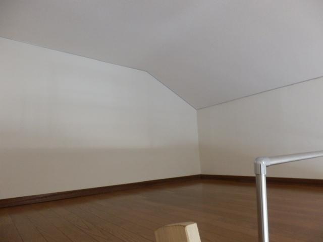 ヨーロピアン255洋光台 203号室の居室
