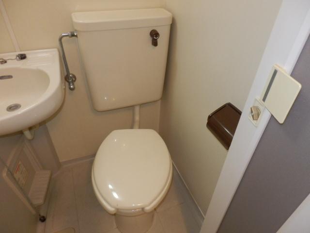 ヨーロピアン255洋光台 203号室のトイレ