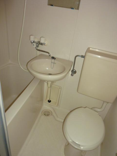 ホワイトハイム1号棟 202号室の風呂