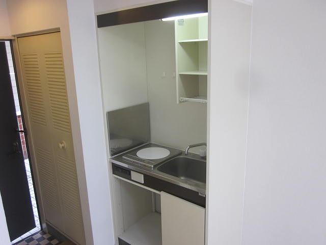 スターホームズ井土ヶ谷Ⅱ 101号室のキッチン