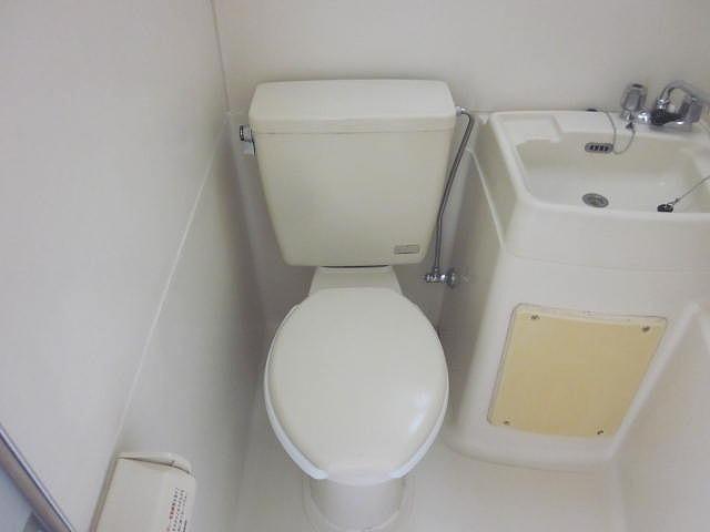スターホームズ井土ヶ谷Ⅱ 101号室のトイレ