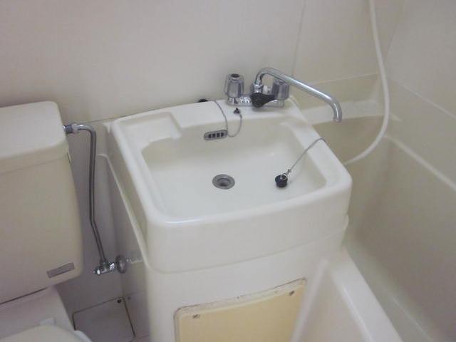 スターホームズ井土ヶ谷Ⅱ 101号室の洗面所