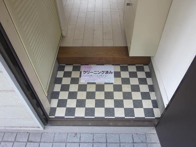 スターホームズ井土ヶ谷Ⅱ 101号室の玄関