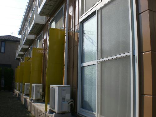 レオパレスあかね台 205号室の玄関