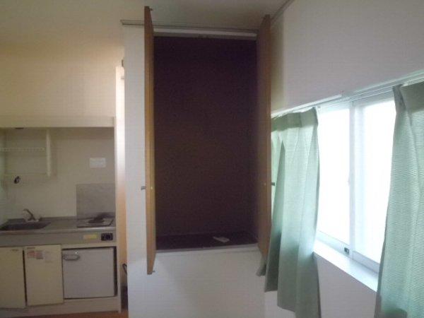 コリーヌ 102号室の収納