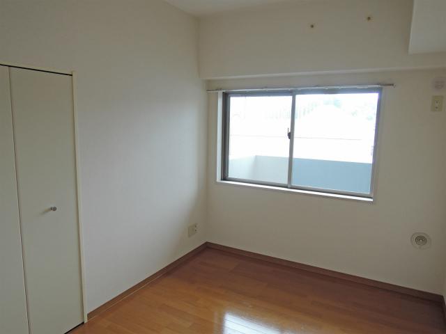 イエルド・ロシーオ井土ヶ谷 0401号室のベッドルーム