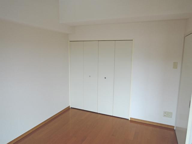 イエルド・ロシーオ井土ヶ谷 0401号室の収納