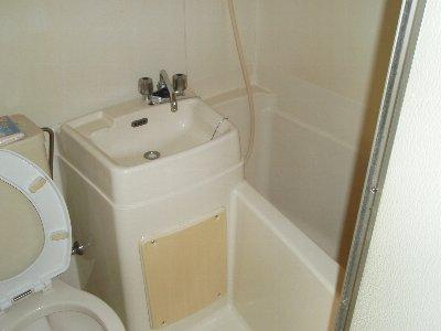 スターホームズ井土ヶ谷Ⅱ 103号室のトイレ