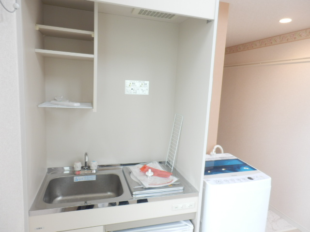ユナイト井土ヶ谷アルバラート 101号室のキッチン